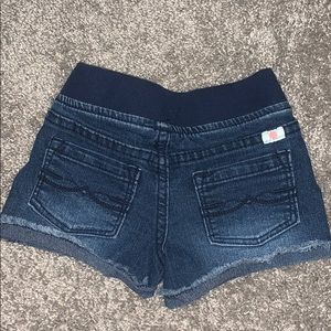 Toddler Lucky brand Shorts 🔷3 for $35